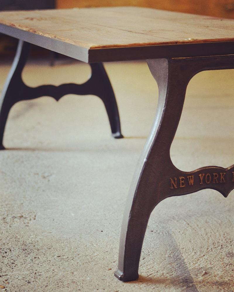 Table Basse Pieds En Fonte Estampillée Deco Industrielle
